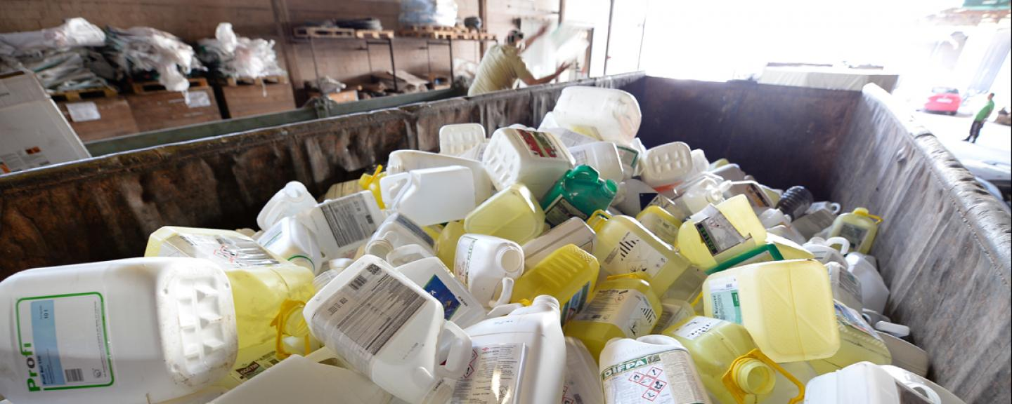 How to dispose of canisters, pickles and expired pesticides